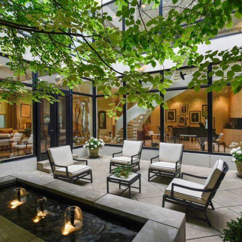 low-maintenance-courtyard-garden-design