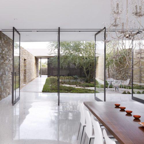 modern-courtyard-design